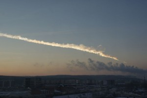 Ekaterinburg_view_of_2013_meteor_event