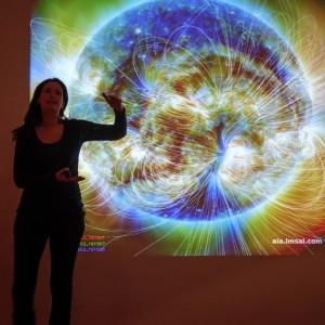 Lucie shows the Magnetic Field lines of the Sun