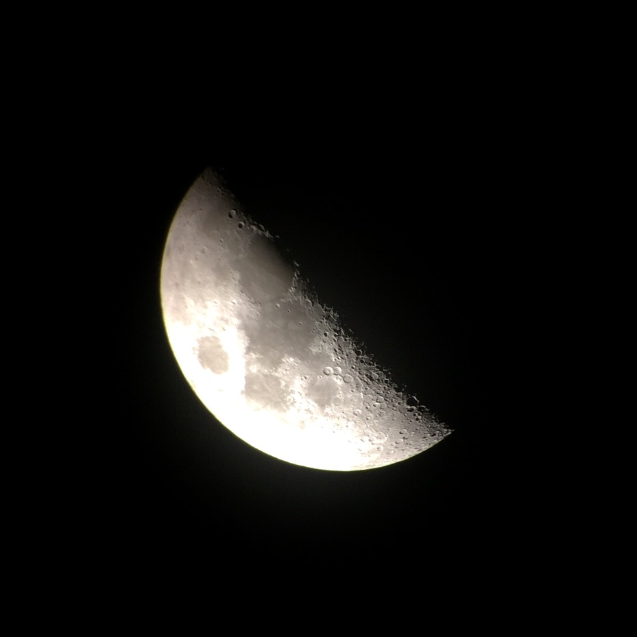 Moon using an iPhone 6 by Barry Cassels